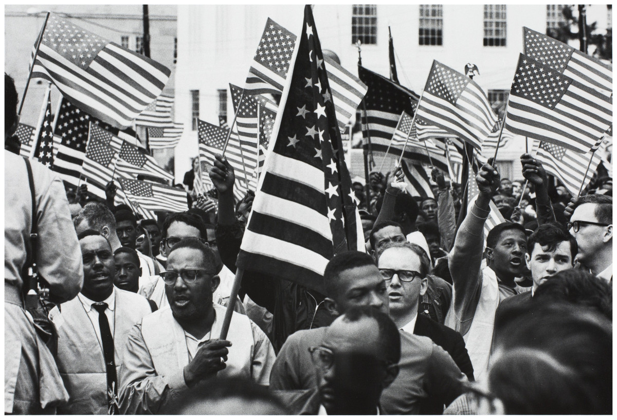 photojournalism and the civil rights movement The media's role in the 1950s civil rights movement spawned a hatred for the northern press in the south, especially during coverage of the forced integration of little rock central high school in 1957.