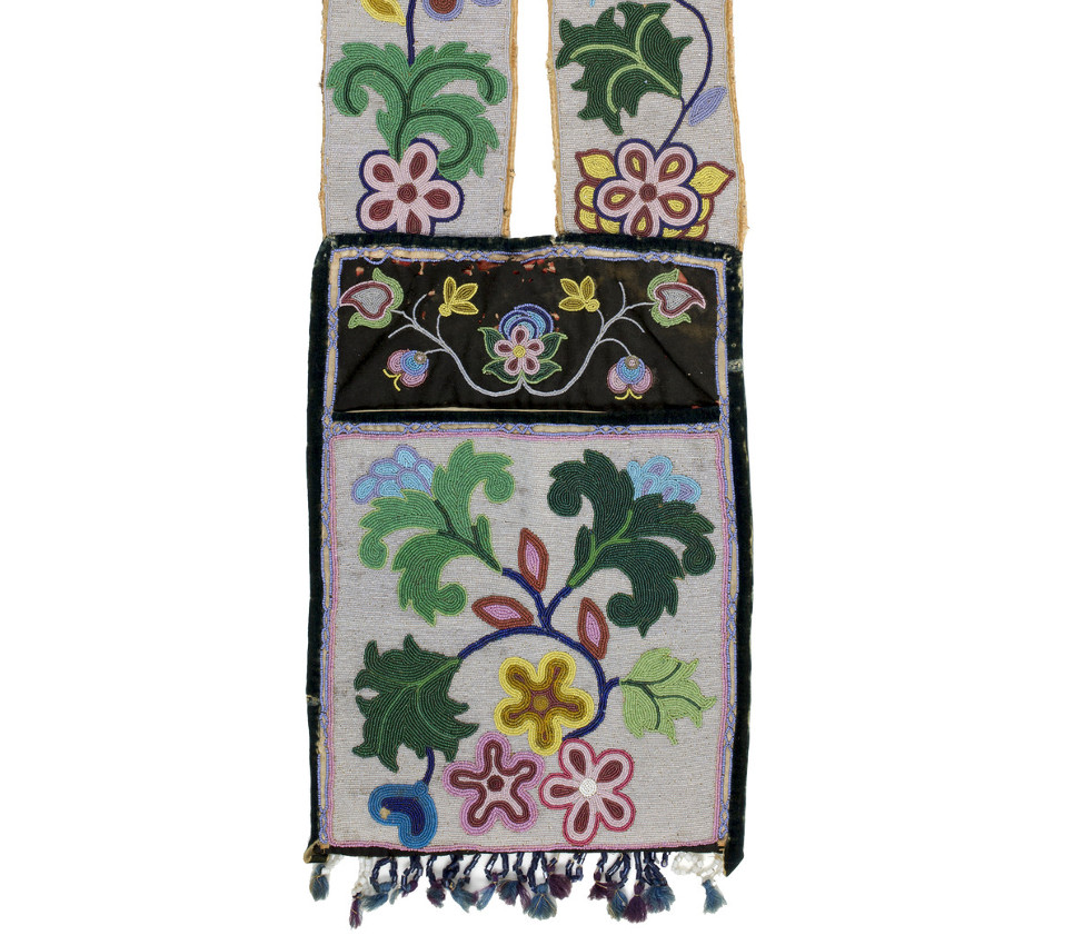 Unknown Maker, Anishinaabe (Ojibwe), Shoulder bag; Bandolier bag, ca. 1900