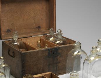 British, Liquor chest