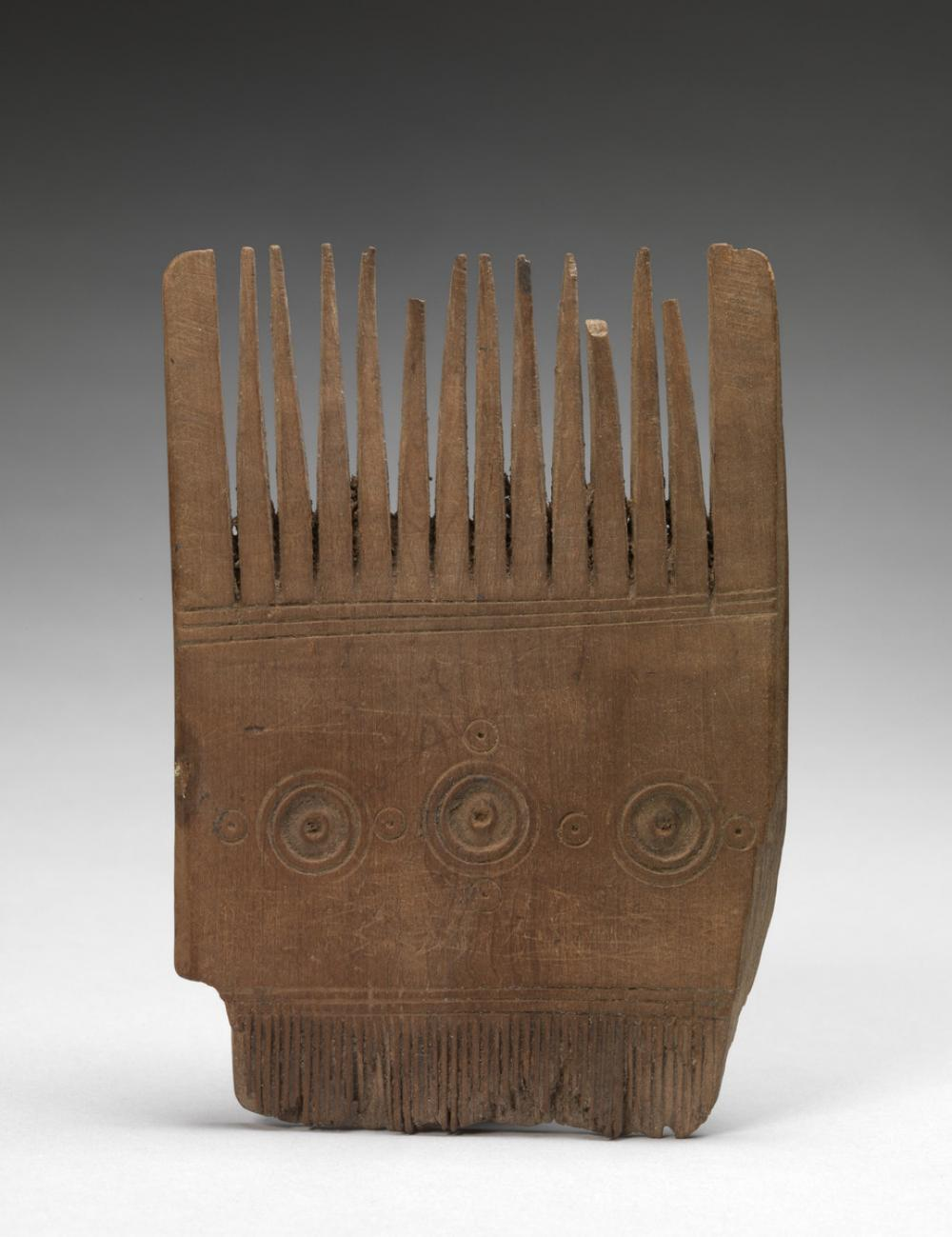 Egyptian, Comb with concentric circles