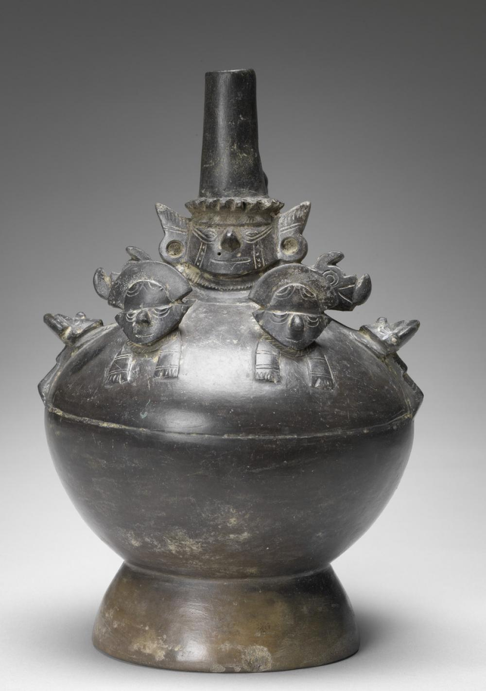 Lambayeque, Stirrup-spouted blackware vessel with Lambayeque Lord