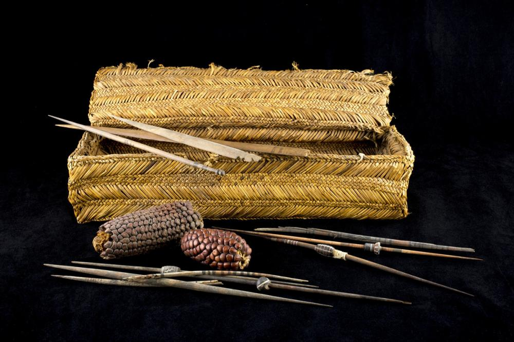 Chancay or Chimú, Spinning and weaving basket and tools