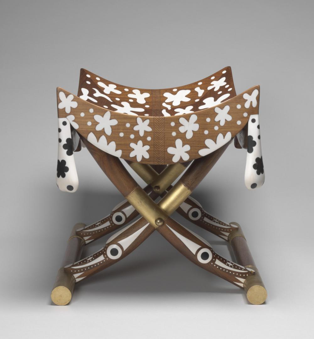 Hatoun, E., Tutankhamun's stool
