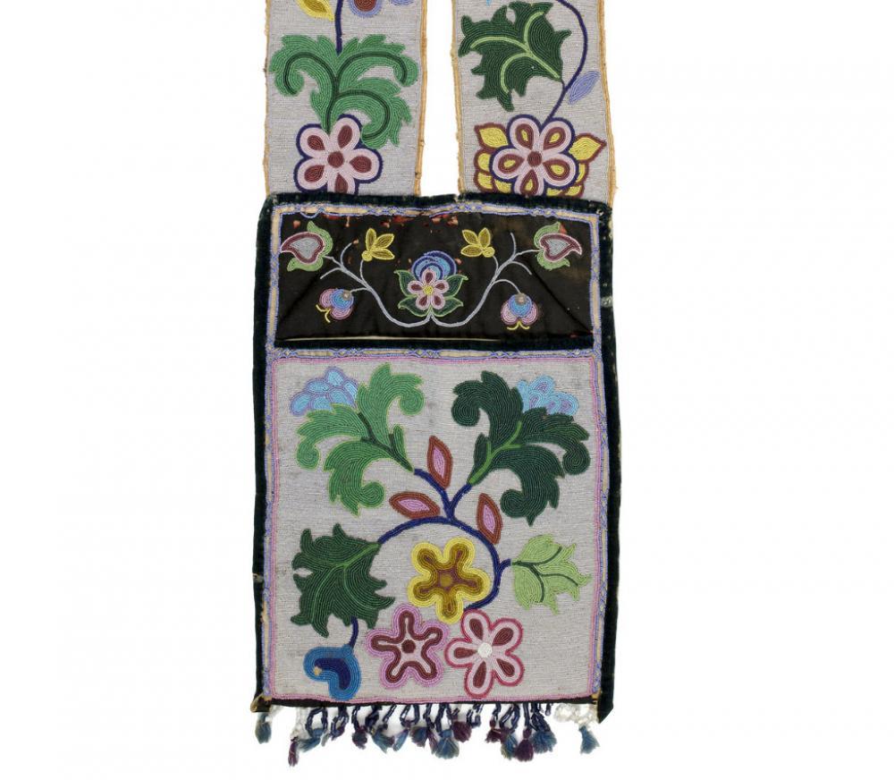 Unknown Maker, Anishinaabe (Ojibwe), Shoulder bag; Bandolier bag, ca. 1900