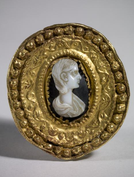 Roman, Brooch with cameo portrait of woman