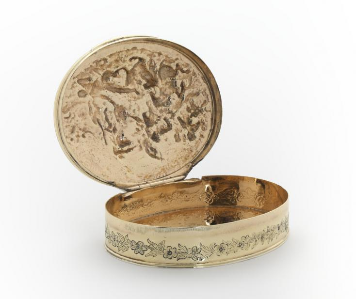 English, Snuffbox with scene from the Battle of Marston Moor with case