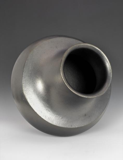 Lonnie Vigil (Nambé Pueblo; American, b. 1949), Jar (olla), 2002